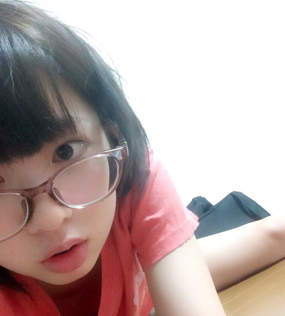 眼鏡を掛けている女の子のエロ画像!!スーツと眼鏡の組み合わせが好きすぎるメガネをかけたまま後ろからハメられる女の子がエロい!!