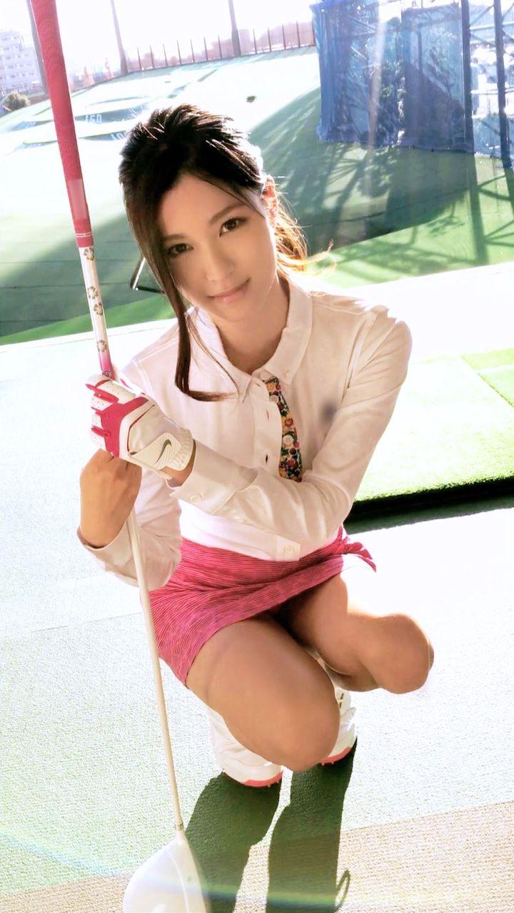 ゴルフ練習場で一人でよく練習している巨乳の女の子をナンパ成功!ホテルに連れ込み肉棒スイングで打ちっぱなしを楽しんだハメ撮りエロ画像