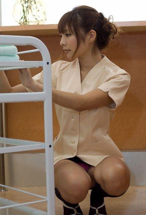 えっちなお姉さんのぬけるエロ画像!!えっちなお尻を見せながら自撮りをとる女の子や、小さい乳首がエロいメイドコスの美女が好きすぎる