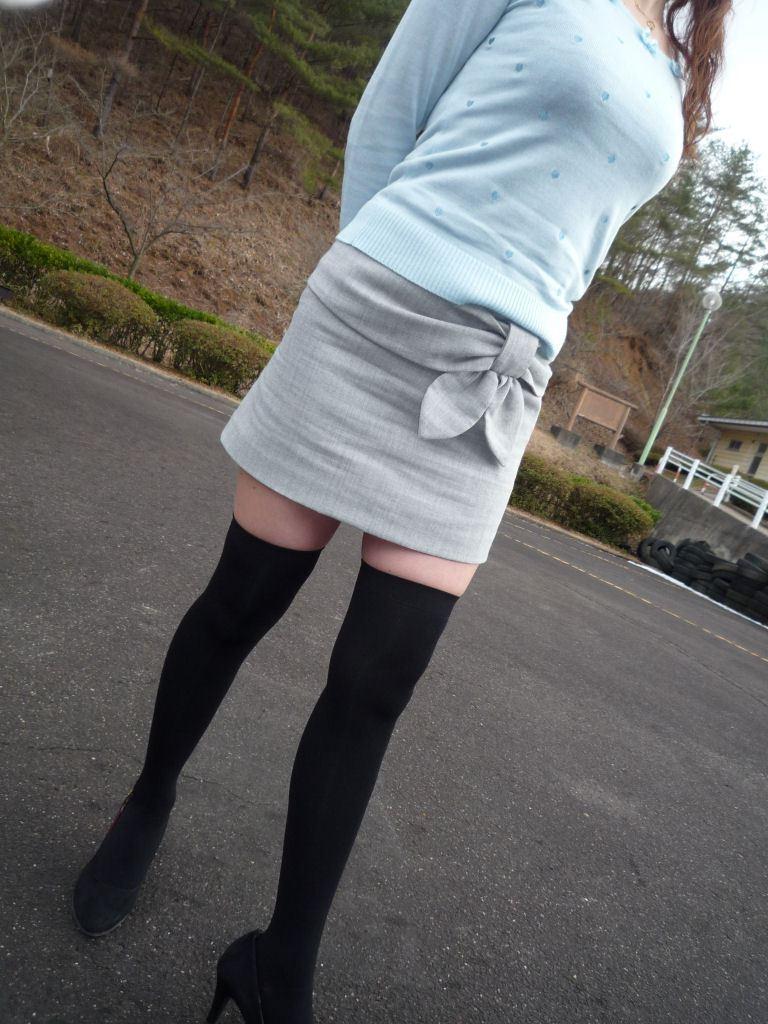 太ももフェチ!!えっちなニーハイ画像まとめ!!ムチムチした少女の太ももや、大きいシャツから見える白いきれいな脚が好きすぎる