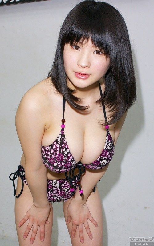ムチムチボディがえろい女の子のぬける画像!!ハイレグがえろい競泳水着の女の子や、下乳が見えちゃってる水着のお姉さんがぬける