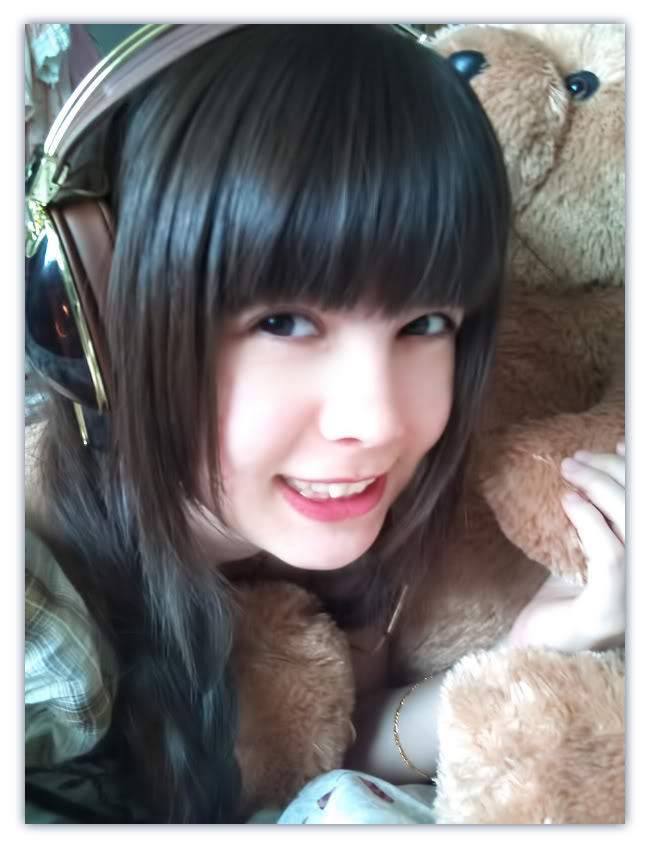 ヘッドホンフェチ!!ヘッドフォンを付けた女の子の画像まとめ!!可愛い女の子のヘッドフォン姿が好きすぎてやばい