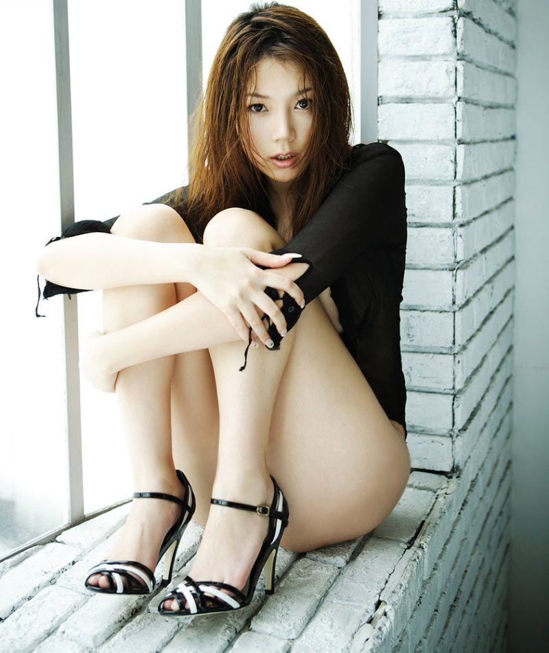 えっちな体の女の子のぬける画像!!美脚の美女のえろい太ももや、美巨乳の女の子のムチムチした体が最高です