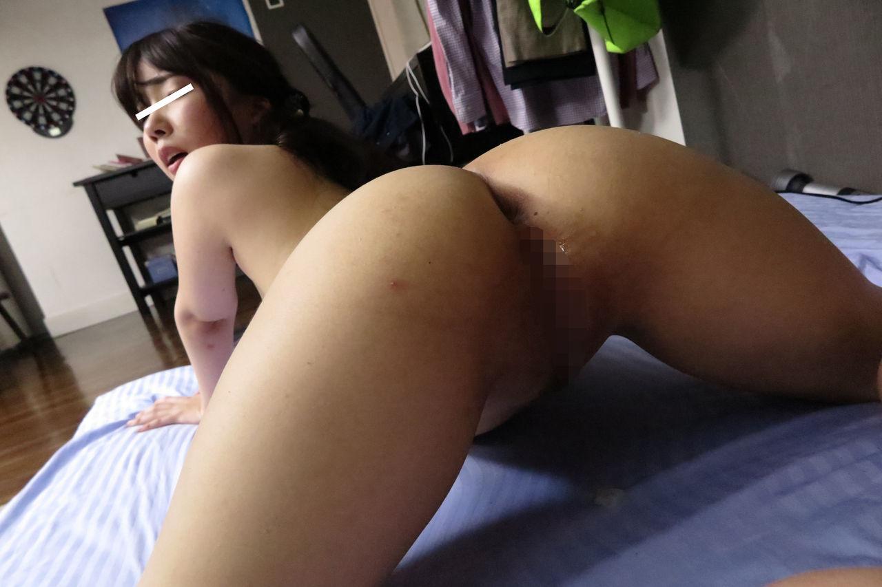 セックス配信しちゃってる女の子のエロ画像まとめ!!柔らかそうな色白巨乳のおねえさんや、ブラから見えそうで見えない乳輪がそそる
